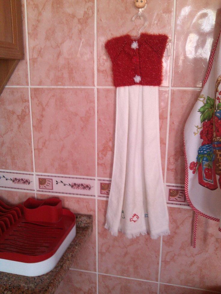 Kırmızı mutfağa kırmızı havlu biter... kullanmaya kıyamıyorum :)