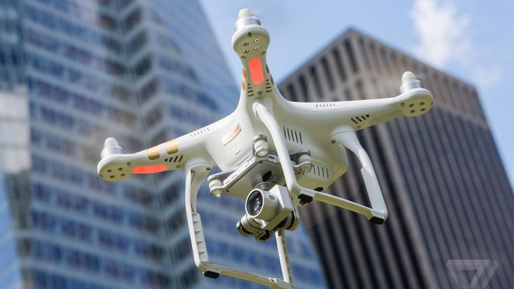FAA committee says small drones should be allowed to fly over cities and crowds