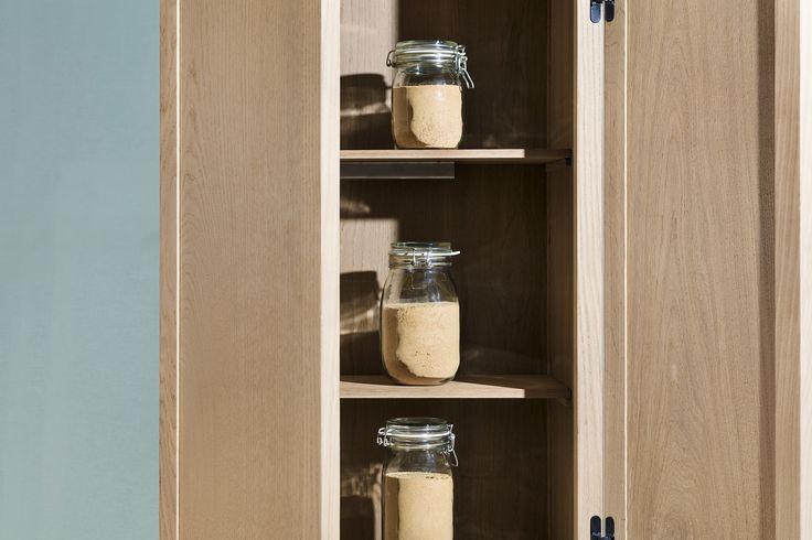 Dispensa - collezione Wunderbuffet Warm and Wood - Rovere termotrattato Bio Antique® certificato Pefc - pannelli coibentati per il mantenimento della temperatura interna