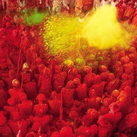 Google Image Result for http://i6.cdnds.net/13/03/450x450/holi_day_india.jpg