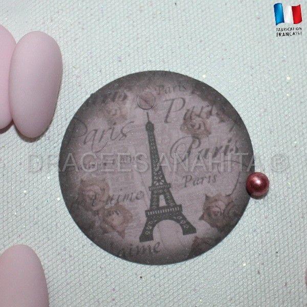 Une étiquette avec la Tour Eiffel pour donner une ambiance Parisienne à votre cérémonie de mariage.