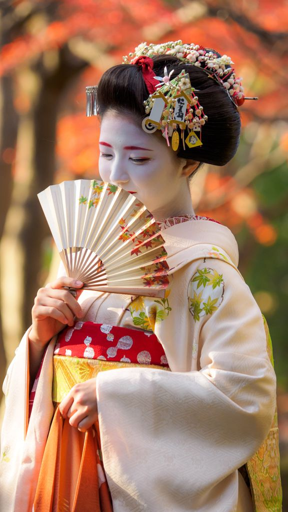 "oiran-geisha: ""Maiko Katsuna for scillsthrills ♥ (Source) """