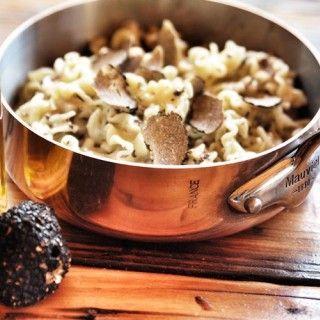 Les pâtes aux truffes d'Ober Mamma Le resto italien le plus en vue du moment nous a livré la recette du nouveau plat « socialite ». Avis aux gourmandes mondaines.