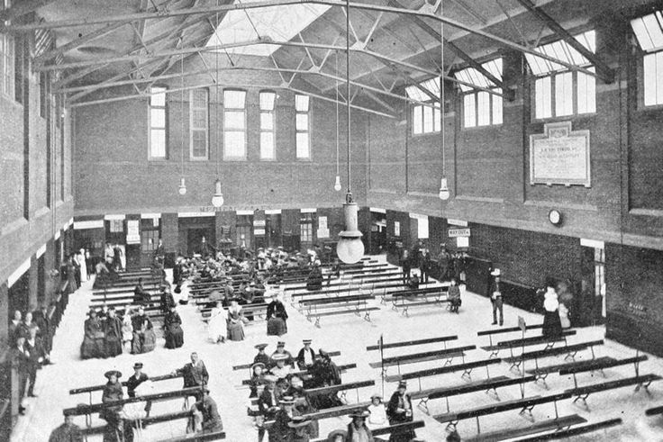 The Waiting-Hall Outpatients-Department of The London Hospital (1910)