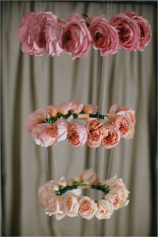 DIY ombre rose halo chandelier. Event Design: Blue Jar Events ---> http://www.weddingchicks.com/2014/05/28/3-garden-rose-diys-youll-love-from-blue-jar-events/