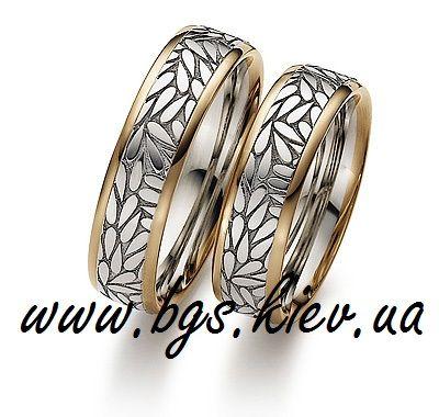 Обручальные кольца из двух цветов золота «Лепестки»