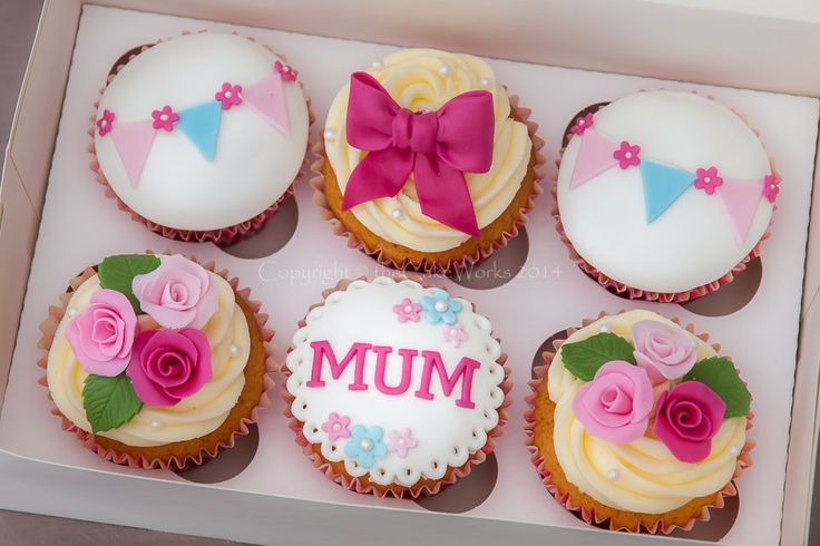 Cupcakes / An excellent idea - cupcake present for Mother's day