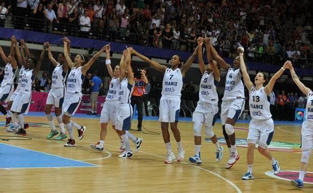 L'équipe de France fête sa victoire