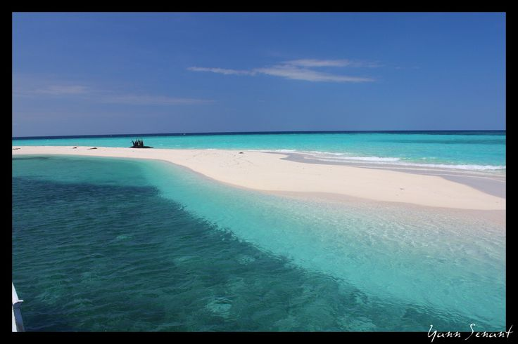 The biggest atoll in Indonesia and Southeast Asia, and the third biggest in the world.    Takabonerate Island National Park, Selayar Islands | South Sulawesi - Indonesia    By: Yann Senant