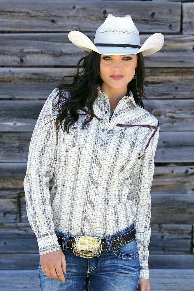 Cowgirl With Her Hat Cowgirl Shirts Cowgirl Outfits