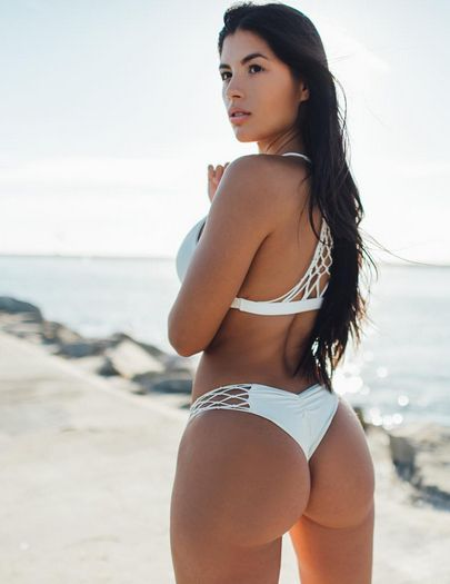 SEXY DREAM BIKINI BUBBLE BUTT of Spanish-Mexican #Fitness & fashion model Karen Vi : if you LOVE Health, Exercise & #Fitspiration - you'll LOVE the #Motivational designs at CageCult Fashion: http://cagecult.com/mma