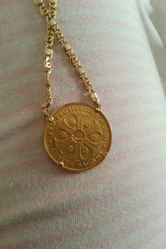 Aureus magnus .... gold coin necklace  ... nefertiti