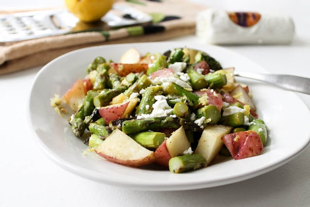 Asparagus salad with lemon and goat cheeseEating Yummy, Cheese Salad, Food, Michelle, Dinner Ideas, Asparagus Salad, Goats Cheese, Goat Cheese, Lemon