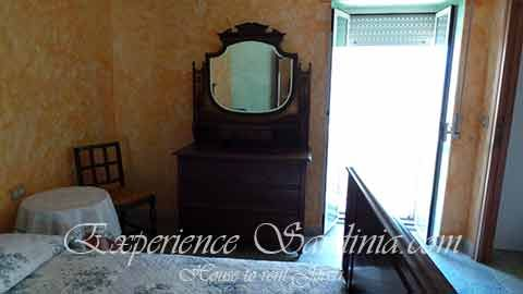the master bedroom in a cheap house rental in #sardinia #italy #accommodationinsardinia