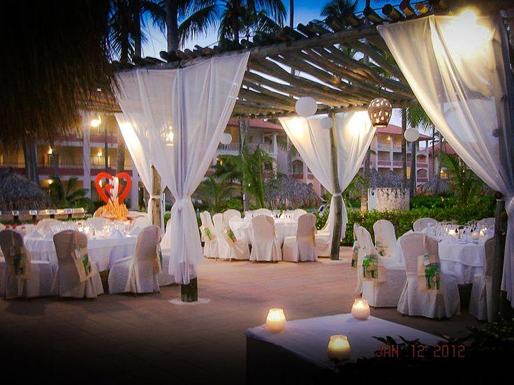 Parrot Bar Wedding Reception At Majestic Colonial Punta Cana
