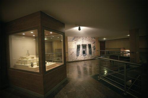 Çorum Müzesi, Alacahöyük, Boğazköy-Hattuşa, Pazarlı ve Kuşsaray gibi arkeolojik kazı merkezlerinden çıkarılan buluntuların sergilendiği bir müzedir. Müze, Çorum il merkezinde bulunmaktadır. #maximumkart #TürkiyeMüzeleri #Türkiyetarihi #Türkiye #müzehaftası #müze #müzelerhaftası #tarihieserler #tarihiyerler #Turkey #ÇorumMüzesi #sağlık #Çorum #eserler #arkeolojimüzesi