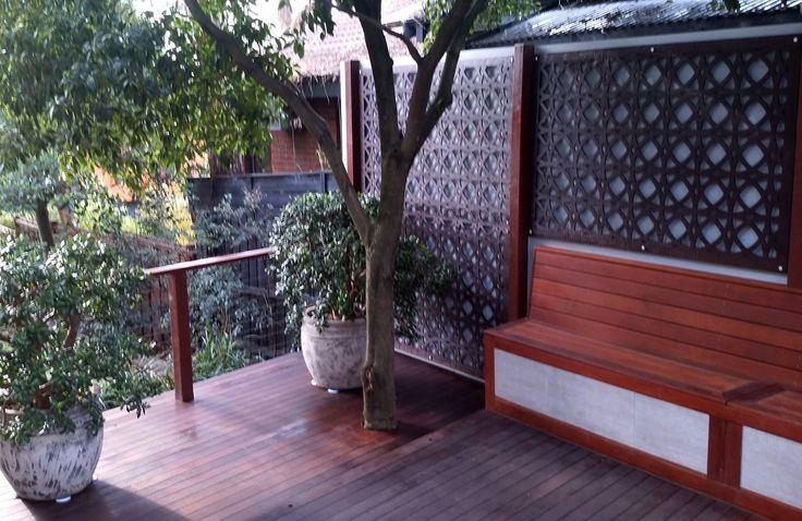 Modern patio decorative screen wall decor for outdoor living spaces: our 'Valencia' design. ~QAQ #patiodecor #patios #outdoordecor #decorativescreens