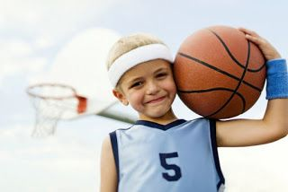 8 χρήσιμες συμβουλές για γονείς που μεγαλώνουν μικρούς αθλητές