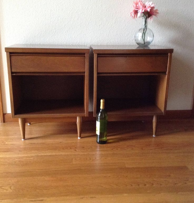 Vintage  Mid Century Modern Nightstands, Set of 2, End Tables, Small Night Stand,  Side Tables by GreatLiving1980 on Etsy https://www.etsy.com/listing/564310124/vintage-mid-century-modern-nightstands