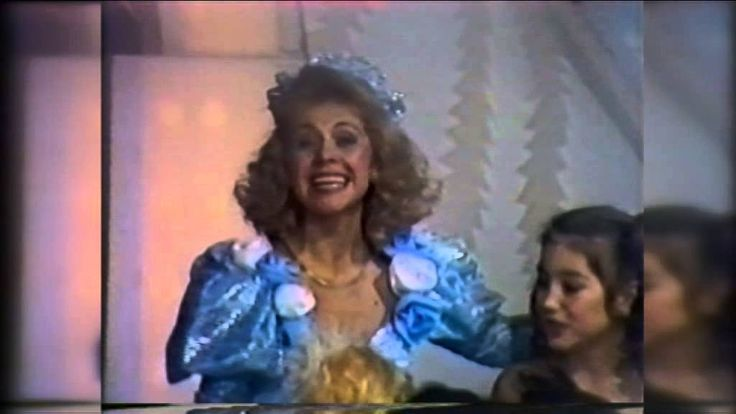"Ludmila Balan .""In asteptarea lui Mos Craciun"". Anul 1993."