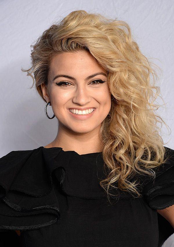 2015 Europe Music Awards Hair & Makeup — PICS