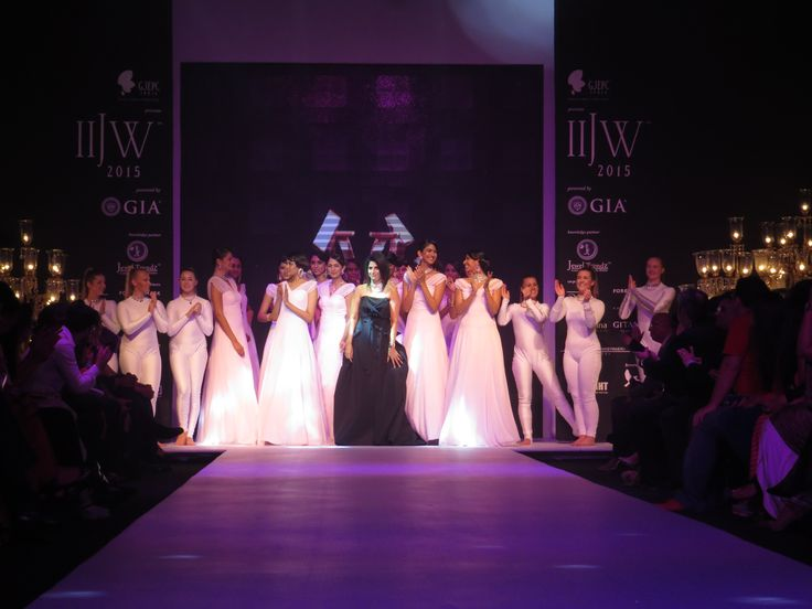 A perfect end to an out-standing show. IIJW2015