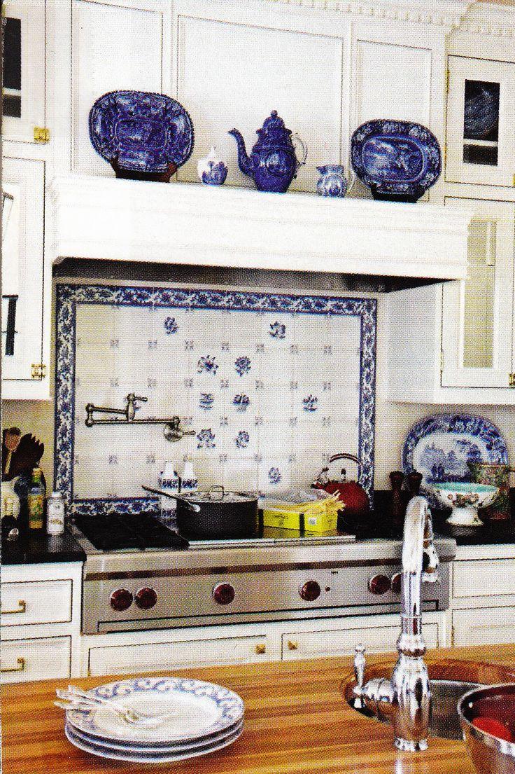 Blauen kacheln zurück spritzer traditionellen häusern küche back weißen fliesen aufkantung backsplash ideen blau wohnen küche