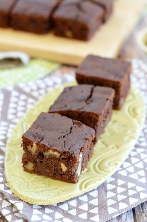 Kávés-diós-csokoládés szelet recept