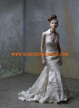 St. Pucchi boutique robe de mariée originale sexy glamour sirène col en V dentelle