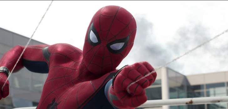 Calma, isso não é nenhuma matéria imprópria para menores. Quando um vilão ataca, Peter Parker se vê obrigado à correr para um beco isolado e conseguir trocar sua roupa pelo uniforme do herói. Mas isso significa arrancar toda a roupa do corpo na frente de todo mundo às pressas. Homem-Aranha: Homecoming finalmente começou suas filmagens …