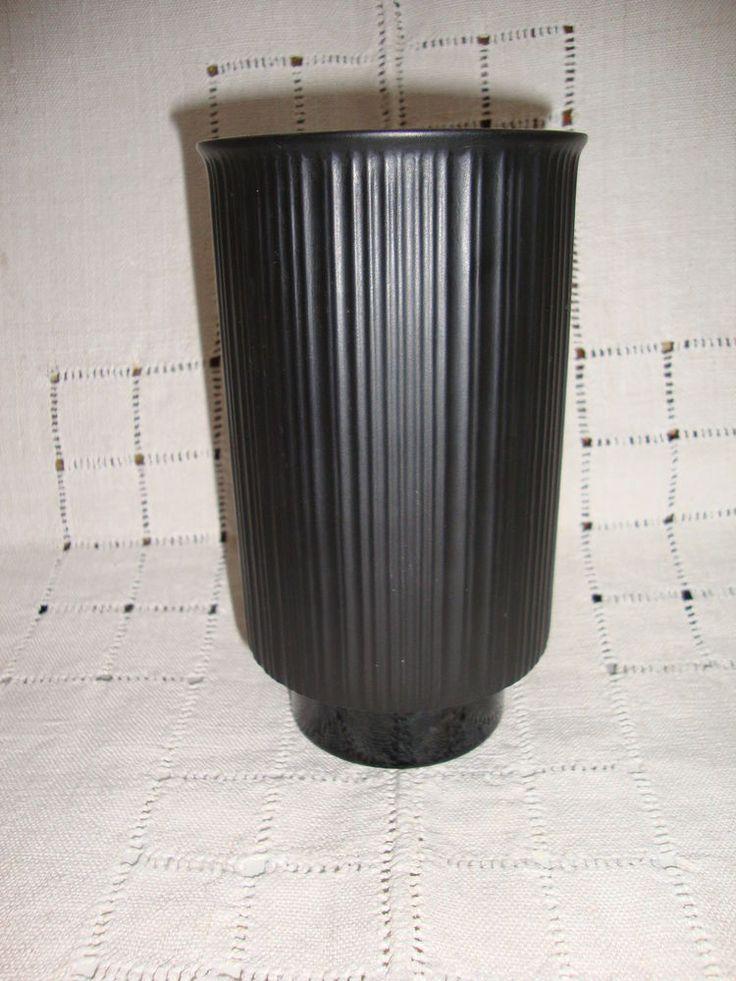 Rosenthal Porcelaine Noire Studio Linie, Wirkkala Vase matt mit glänzendem Fuß