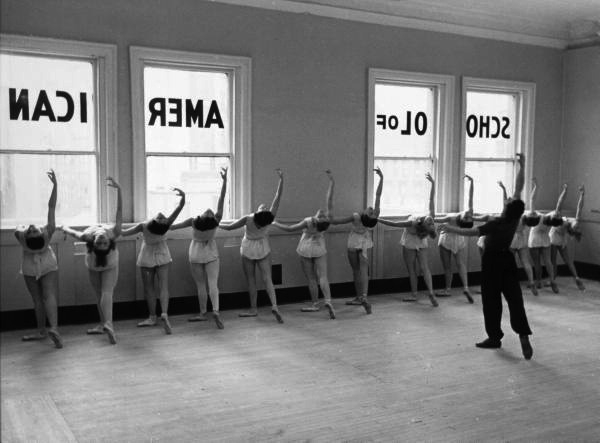 Scene at the School of American Ballet, New York, 1936 © Alfred Eisenstaedt—Time & Life Pictures/Getty Images