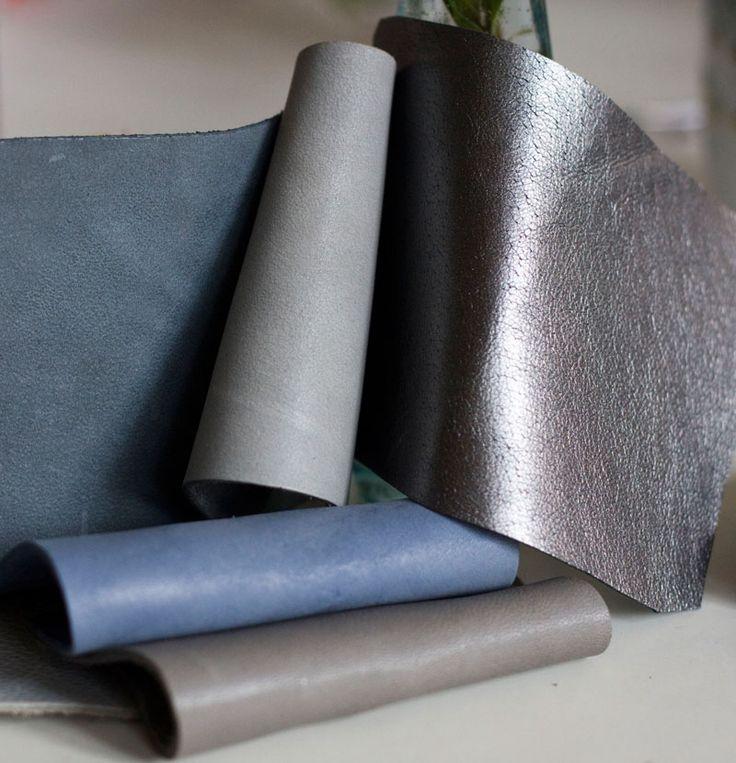 Szarości, nieokreślone błękity, grafity i srebro. Niepowlekane, grube skóry licowe na torebki! #grey #grey suede bag #silver #handcrafted #leather #genuine leather