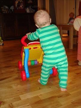 kasvatus - Liikuntaleikkejä alle 3-vuotiaille