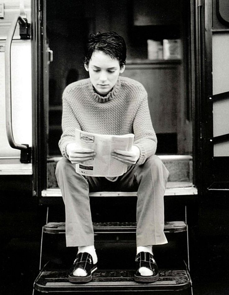Even sitting in her trailer and reading the dailies Nonie's unbelievably cute and unstoppably sexy!!!!! ♥♥♥♥♥