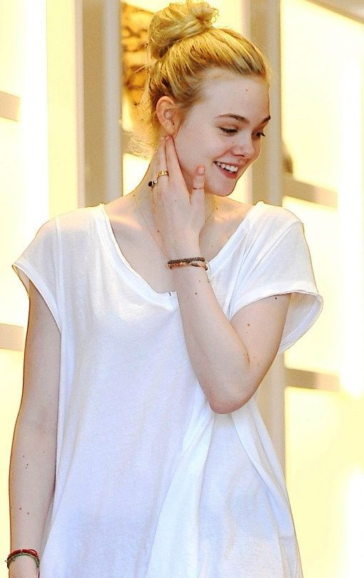 Elle Fanning being beautiful
