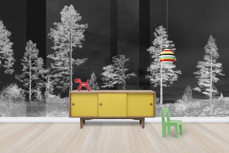 Fotobehang donker met bomen via Nordic Moods geinspireerd door de Scandinavische natuur via Photowall