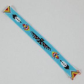 Esta pulsera de telar de cordón de Thunderbird fue inspirada por los hermosos diseños nativos americanos que veo alrededor de mí aquí en Albuquerque, Nuevo México. Como con todas mis piezas, he creado en un telar de grano con gran cuidado y atención al detalle.  Nota importante: Por favor medir su muñeca antes de colocación de la orden, para asegurar un ajuste apropiado. Estas pulseras no son ajustables.  Los granos utilizados en esta pieza son mi favorito - alta calidad de cristal japones…