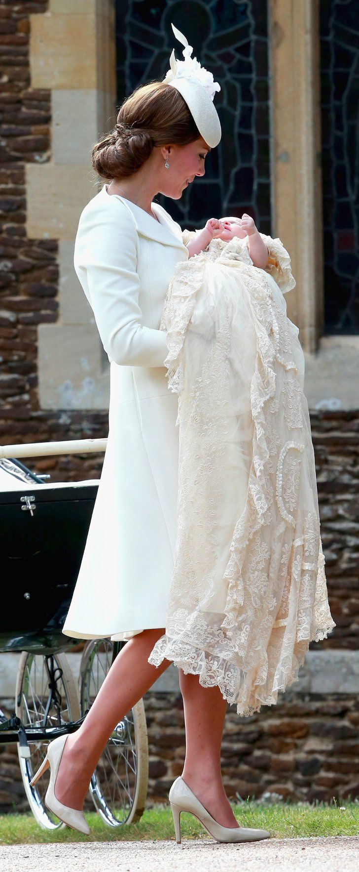Pin for Later: Kate Middleton Était Absolument Superbe Lors du Baptême de la Princesse Charlotte