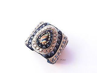 koralikowe fantazje Noiree: Bransoletka Mosaic made from Toho beads and Kheops par Puca. the central piece - labradorite #bracelet #embroidery #beads #labradorite