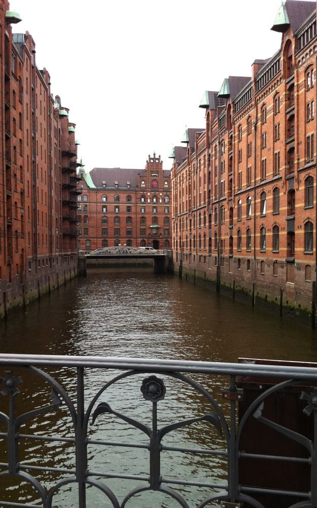 """Ocho lugares declarados Patrimonio de la Humanidad en este 2015: Speicherstadt, Alemania, significa """"ciudad de almacenes"""". Este barrio situado en la ciudad de Hamburgo se construyó como una zona franca. Actualmente todo el área se encuentran en un momento de remodelación y auge."""