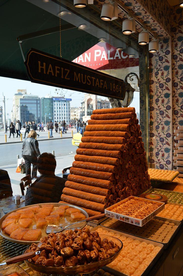 Baklava at Hafiz Mustafa, Istanbul