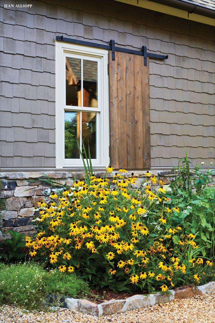 Best 25+ Farmhouse Landscaping Ideas On Pinterest