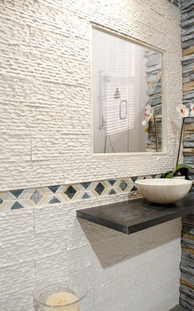 Cuarto de baño con revestimiento modelo Cebra.