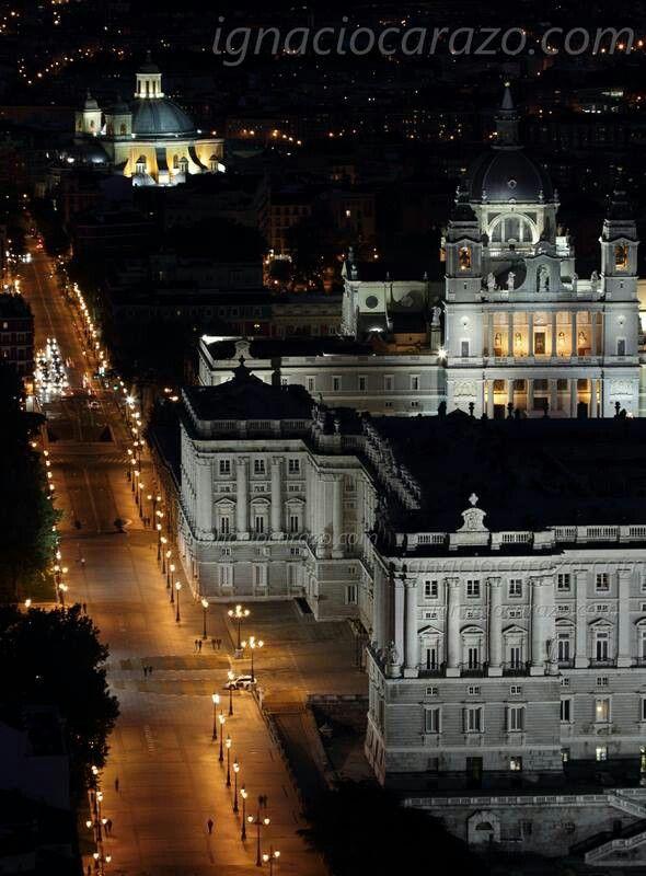 Palacio Real de noche