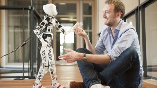 A new 3D-printed robot called Poppy is helping a team of French researchers study bipedal walking and human-robot interaction. #3dprinting   #3dprinter   #3dprinted