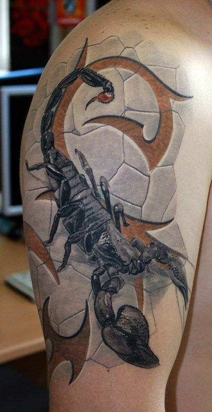 Тату Скорпион и символы на камне на плече