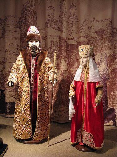 Russian art dolls – Tsar Ivan IV the Terrible with his wife Anastasia Romanovna Zakharina.