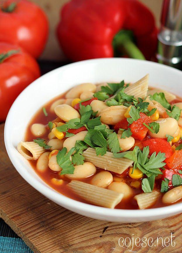 Pożywna zupa fasolowa z makaronem | Zdrowe Przepisy Pauliny Styś