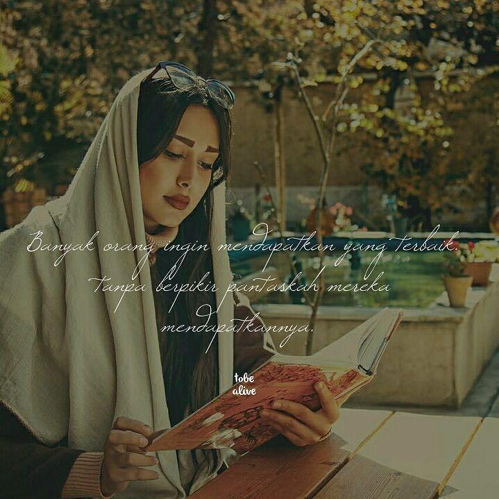 """""""Banyak orang ingin mendapatkan yang terbaik... tanpa berpikir pantaskah mereka mendapatkannya"""" . .  Kiriman dari @hariiyati . .  Tag like dan comment.  Kirim (DM /Like) kata-kata buatanmu ya.  #katakata #quotes #quotesoftheday #pathdaily #pathindonesia #yangterdalam #pecahankaca #catatanfilm #melodydalampuisi #sajak #puisi #sastra #kutipan"""